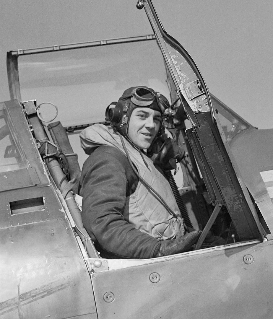 Wing Commander Prosper 'Bee' BEAMONT Royal Air Force Fighter Command, 1939-1945